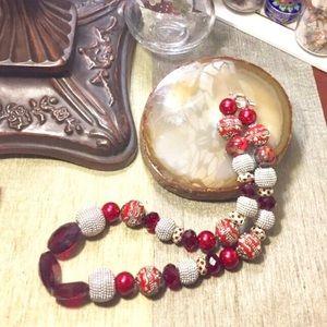 Jewelry - EUC Statement Necklace